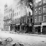 Sowjet.Truppen erobern Neiße,Gefallener. - Soviet troops take Neisse / Photo / 1945 -